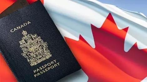 新移民首次登陆加拿大需要枫叶卡吗?